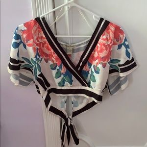 Cropped polyester tie back top